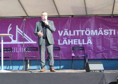 Liki-Markkinoiden avauspuheenvuorossa kaupunginjohtaja Esko Lotvonen